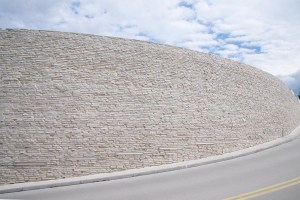 muurauskivi-kivimuuri-liuskemestarit-0229