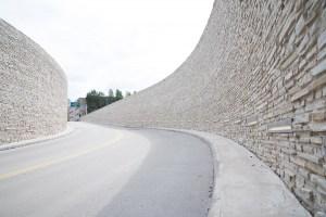 muurauskivi-kivimuuri-liuskemestarit-0254
